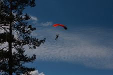Free Parachuter Royalty Free Stock Image - 5594146