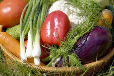 Free Basket With Vegetables Stock Photos - 5594453