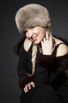 Free Beautiful Smiling Girl Ina Fur Hat Stock Photography - 5595322
