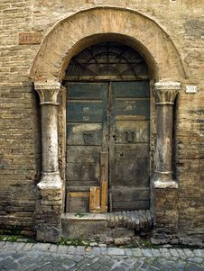 Free Ancient Door Royalty Free Stock Images - 5595769