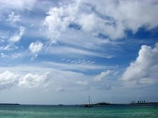 Free Bahamian Clouds Royalty Free Stock Photo - 5596485