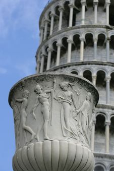 Free Pot In Front Of The Leaning Tower Stock Images - 563664