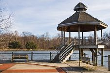 Free Lakeside Gazebo Stock Photo - 567630