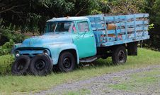 Free Old Truck Royalty Free Stock Image - 5604336