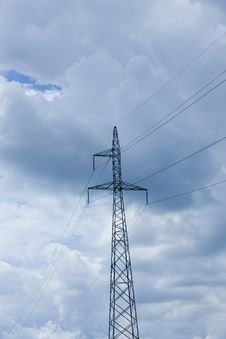 Free Power Lines Volts Royalty Free Stock Images - 5605269