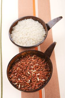 Free Himalayan Red Long Grain And White Rice Stock Photos - 5606143