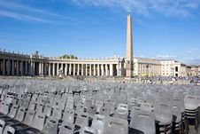 Free St. Peter S Square Stock Photo - 5611420
