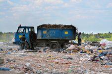 Free Trash Pickup On The Dumping Ground Garbages Royalty Free Stock Image - 5619136