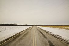 Free Wide Open Winter Road Royalty Free Stock Photography - 5624047