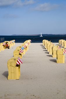 Free Beach Baskets Royalty Free Stock Photo - 5631455