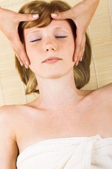 Free Woman Getting A Massage Royalty Free Stock Photography - 5632747