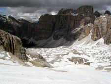 Free Dolomite Canyon Royalty Free Stock Image - 5634286