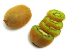 Free Sliced And Unsliced Kiwi From Above Royalty Free Stock Photos - 5635538