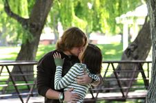 Free Kissing In The Park Royalty Free Stock Images - 5637639