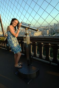 Free Woman With Telescope On Eiffel Tower Stock Image - 5638201