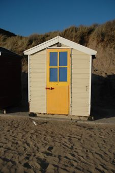 Free Beach Hut Royalty Free Stock Image - 5638516