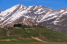 Free Castelluccio Royalty Free Stock Photos - 5639648
