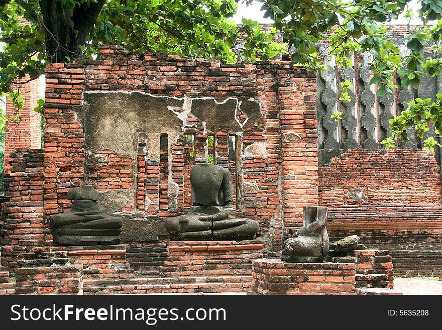 Decapitated Buddhas