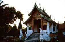 Free Buddhist Temple Royalty Free Stock Photography - 5640297