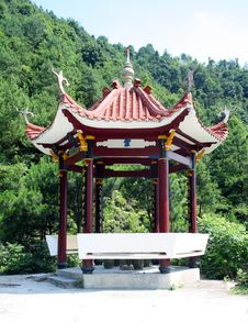 Free Chinese Style Summerhouse Royalty Free Stock Photos - 5640518