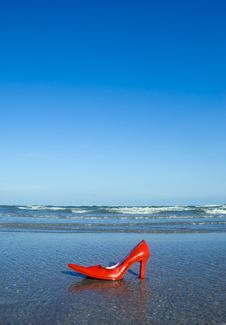 Free Beached Stiletto Royalty Free Stock Photo - 5642795