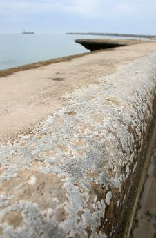 Free Pier Wall Royalty Free Stock Photography - 5644247
