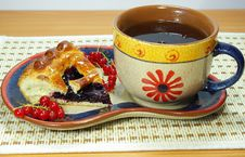 Fresh Pie With Currant Tea Stock Photography