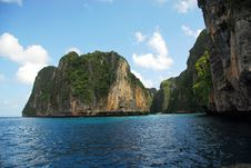 Free Island Near Phi-Phi Royalty Free Stock Photography - 5646287