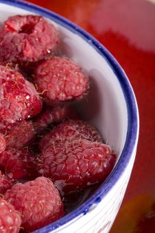 Free Raspberries In Bowl Stock Images - 5647324