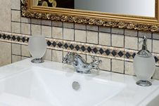 Free Italian Basin Detail Stock Photography - 5649812