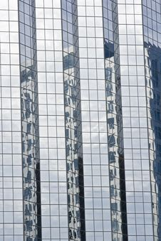Free Modern Glass Office Buildings With Reflection Royalty Free Stock Images - 5650539