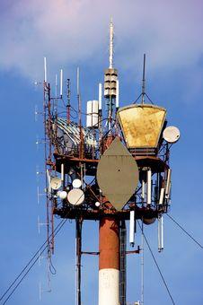 Free Communication Hi-Tek Mast Royalty Free Stock Image - 5651356