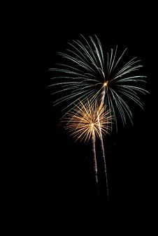 Free Beautiful Fireworks. Royalty Free Stock Images - 5651549