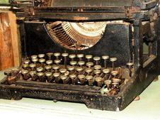 Free Obsolete Vintage Typewriter Stock Images - 5651604