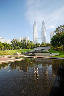Free KLCC - 19 Royalty Free Stock Photography - 5651887