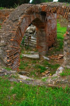 Free Ostia Royalty Free Stock Image - 5652296