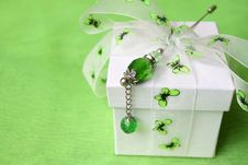 Free Butterfly Gift Box Stock Photography - 5653092
