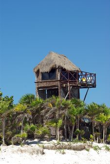 Free Beach Hut In Mexico Royalty Free Stock Image - 5654536