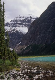 Free Mt Edith Cavell Stock Photography - 5658412