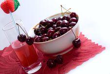 Free Ripe Sweet Cherry Stock Image - 5658961