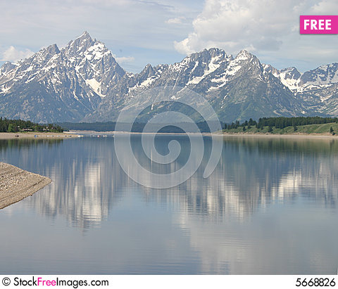 Free Teton Reflections Royalty Free Stock Image - 5668826