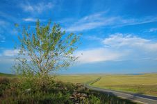 Free Road, Clouds And The Blue Sky Stock Images - 5660724