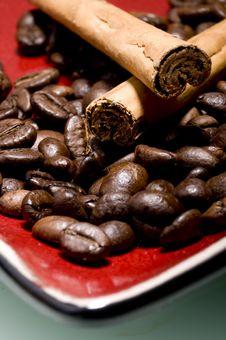Free Coffee And Cinnamon Royalty Free Stock Image - 5661076