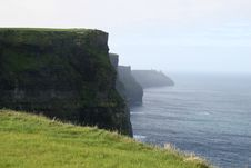Free Cliffs Of Moher Royalty Free Stock Images - 5663819