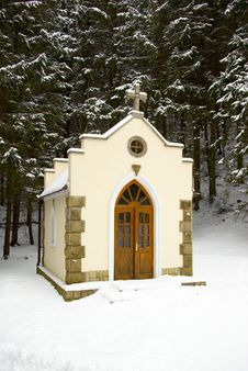 Free Forested Chapel Royalty Free Stock Image - 5669426