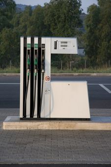 Free Filling Station Royalty Free Stock Images - 5671939