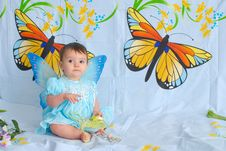 Free Baby Girl With Butterfly Wings Stock Images - 5673274