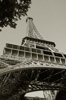 Free Eiffel Tower Paris France Royalty Free Stock Photo - 5678925