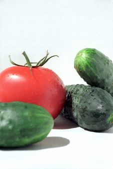 Free Tomato And Cucumbers Stock Photography - 5680322