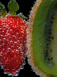 Free Strawberry& Kiwi Stock Photography - 5682092